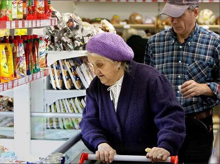 VIDEO! Mustamäe üksikud eakad saavad küsida abipakki