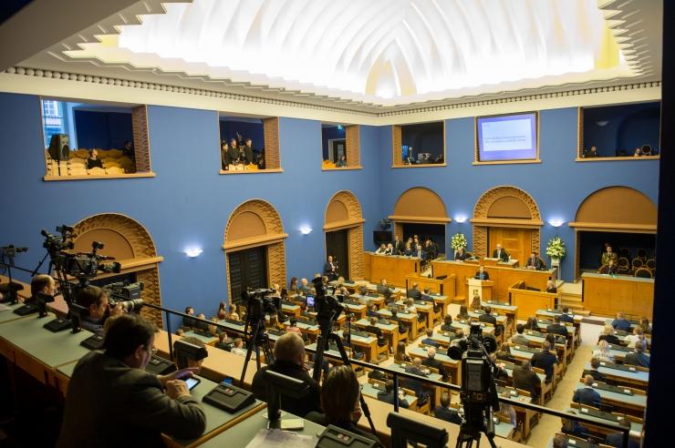 VAATA OTSE: Ministrid vastavad parlamendisaadikute küsimustele