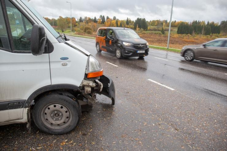 Kahes liiklusõnnetuses hukkus kokku kaks meest