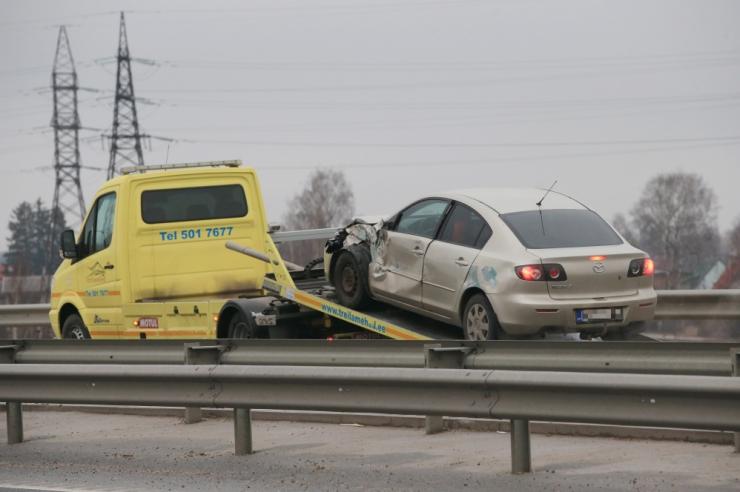 Traagiline päev liikluses: kaks hukkunut ja üheksa vigastatut