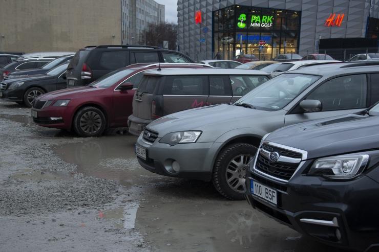 VIDEO! Tallinna teed on muutunud väga poriseks