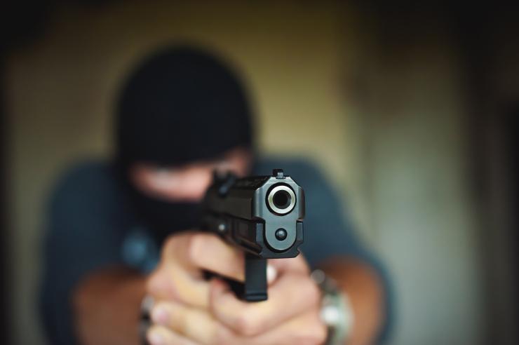 Kohus võttis Kohtla-Järvel busse tulistanud nooruki vahi alla