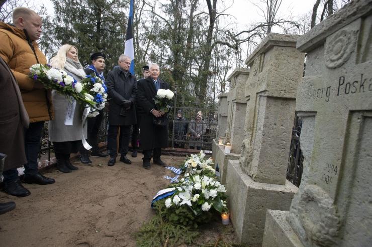FOTOD! Pirita ja Viimsi austasid Tartu rahu 100. aastapäeval Eesti suurmehi