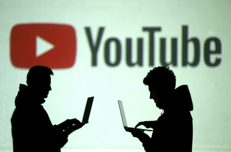 YouTube keelab manipuleeriva sisu