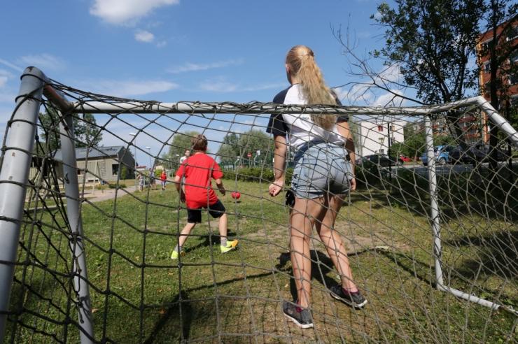 Riik loob võimaluse suurendada asenduskodus peres laste piirarvu