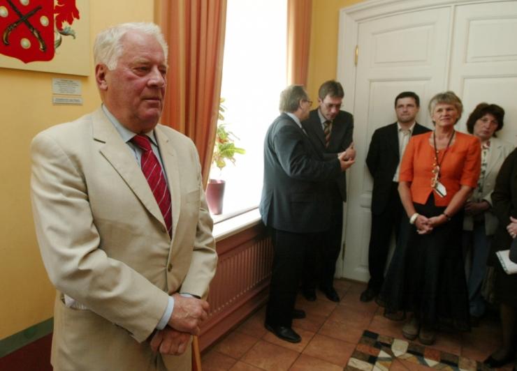 Tallinn toetab 5000 euroga Raimo Pullati uurimustööd
