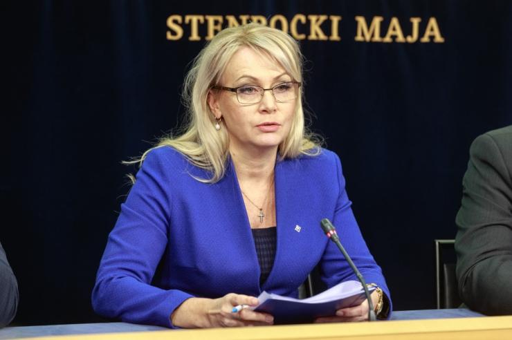 Rahvastikuminister Solman tahab pikemat vanemahüvitise arvestamise perioodi