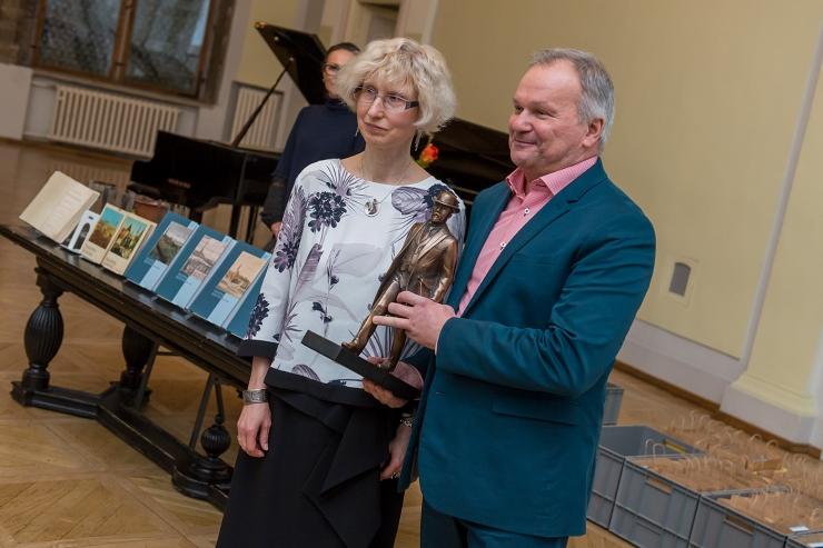 VIDEO! Linnaarhiiv avaldas uued raamatud Tallinna ajaloost
