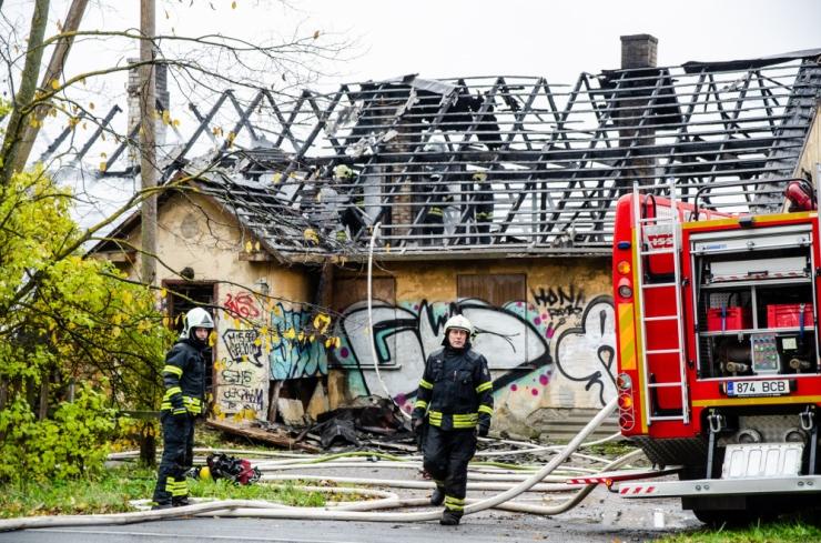 Pärnumaal hukkus tulekahjus kaks inimest