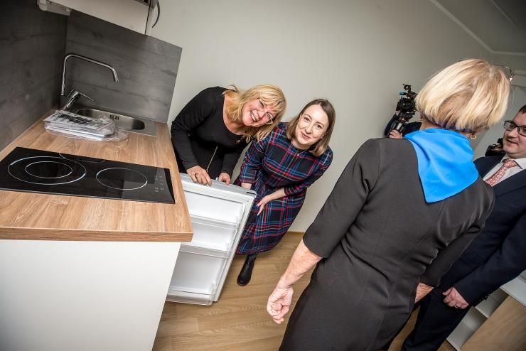 FOTOD JA VIDEO! Tallinn avas renoveeritud Sõpruse puiestee sotsiaalmaja