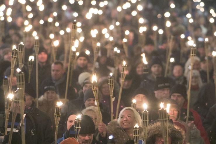 EKRE korraldab riigi aastapäeval Tallinnas tõrvikurongkäigu