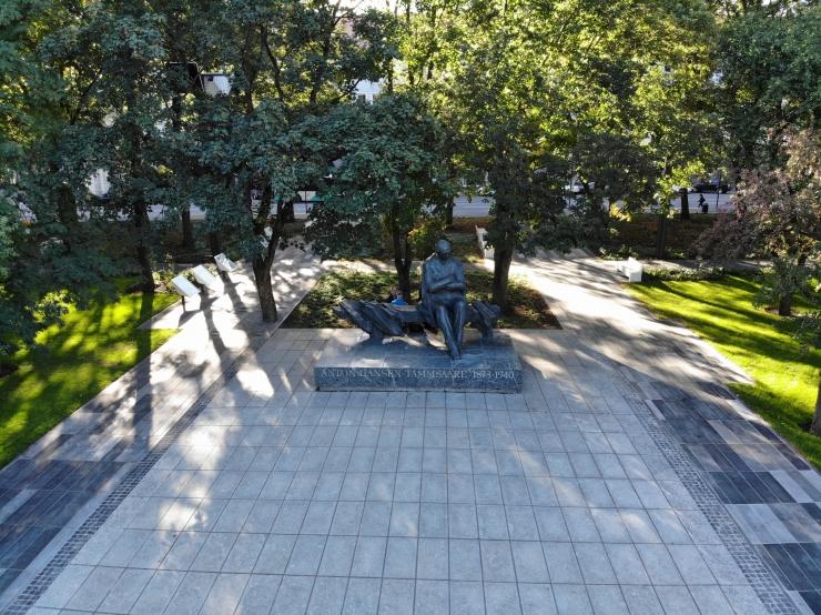 Tammsaare pargis avati Eduard Vildele pühendatud uus välinäitus