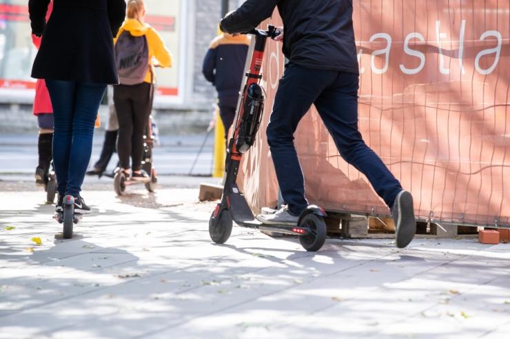 Linnaosa vanem: tõukerattad siirduvad ainult rattateele