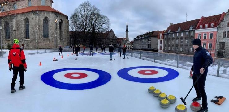 FOTOD! Tallinna uisuparkides saab tasuta tutvuda kurlinguga