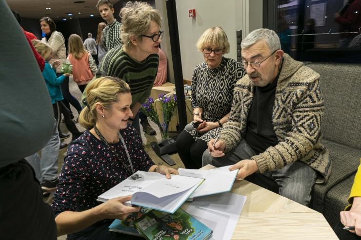 """VIDEO JA GALERII! Loomaaias avati Turovski joonistuste näitus """"Zoontoloogia"""""""