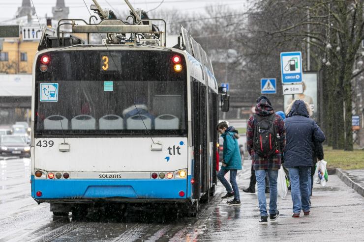 Spetsialist vastab, kuidas hoitakse viiruste perioodil puhtust ühistranspordis?