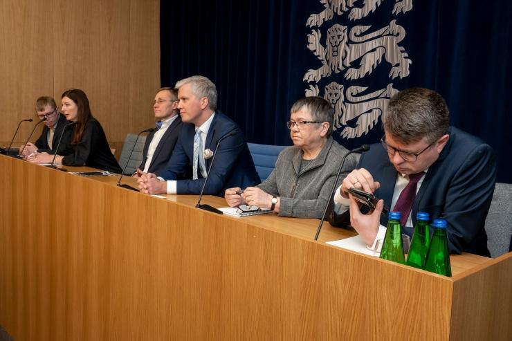 VIDEO! ÜLEVAADE KOROONAVIIRUSE HETKESEISUST! Välisminister: eestlaste pendelränne lõppeb pühapäevast 00.00