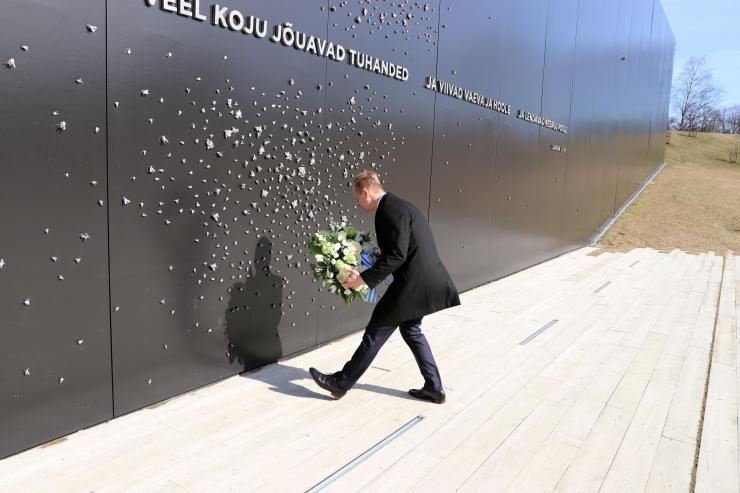 Volikogu esimees Terik mälestas märtsiküüditamise ohvreid