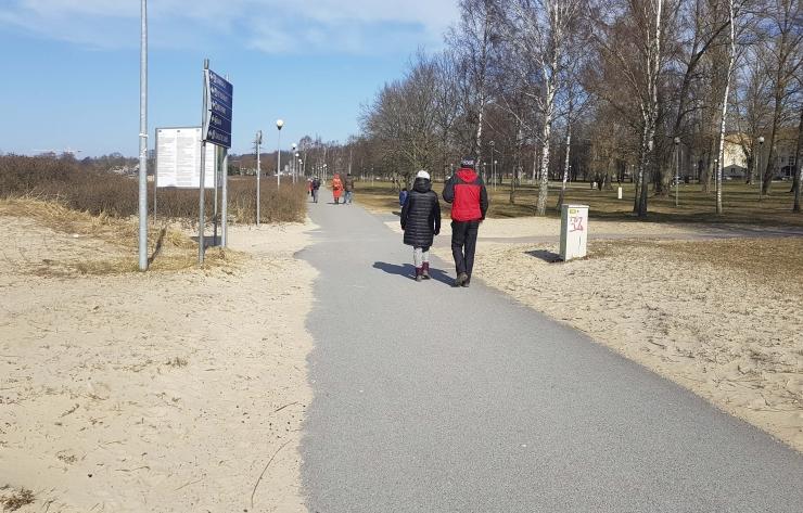 Koroonapositiivsetel keelatakse kodust lahkuda, eiramisel trahv kuni 2000 eurot