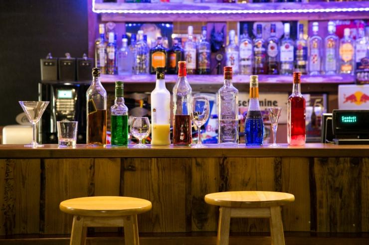 Reid: baarid olid rahvast täis ka pärast kella 22