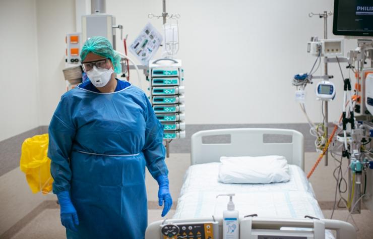 Arstid ja arstitudengid tõttasid Kuressaare haiglale appi