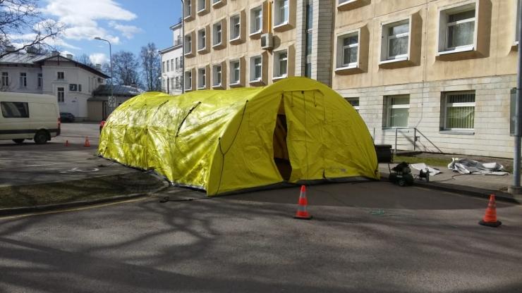 Ida-Tallinna Keskhaigla kõrval alustab tööd triaažitelk