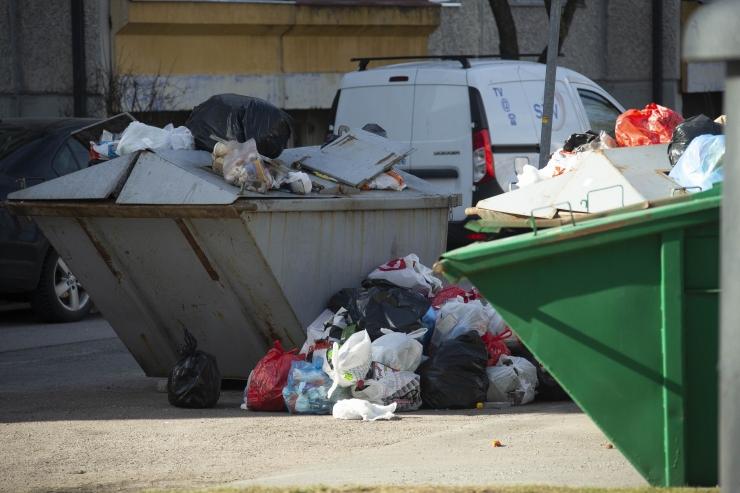 Eriolukorrast sõltumata toimub jäätmevedu tavapärase rütmi järgi