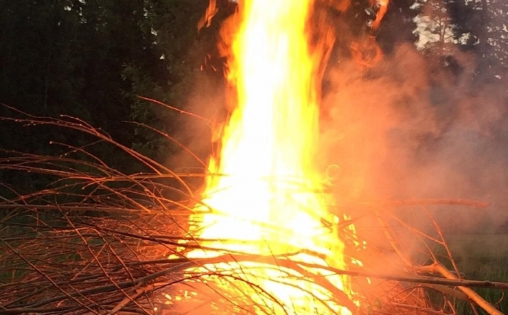 Aiajäätmete põletamine koduaedades ei ole lubatud