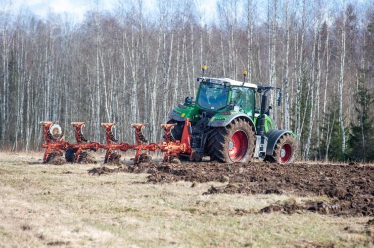 Vaid põllumajanduses töötavad võõrtöölised saavad Eestis edasi töötada kuni 31. juulini