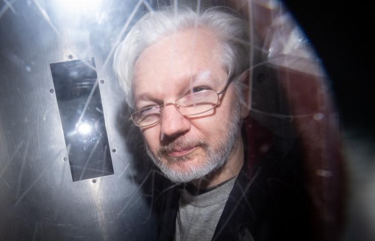 Meedia: Assange sai Ecuadori saatkonnas kahe poja isaks