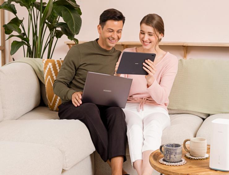 Karantiin on viinud poed nutitelefoni: kuidas osta mugavalt koduseinte vahel