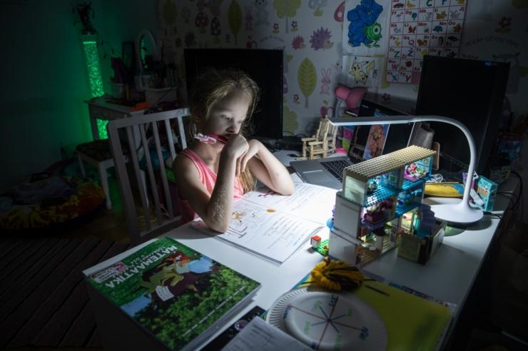Koduõppel kasutavad koolid digiõpikuid senisest pea kümme korda rohkem