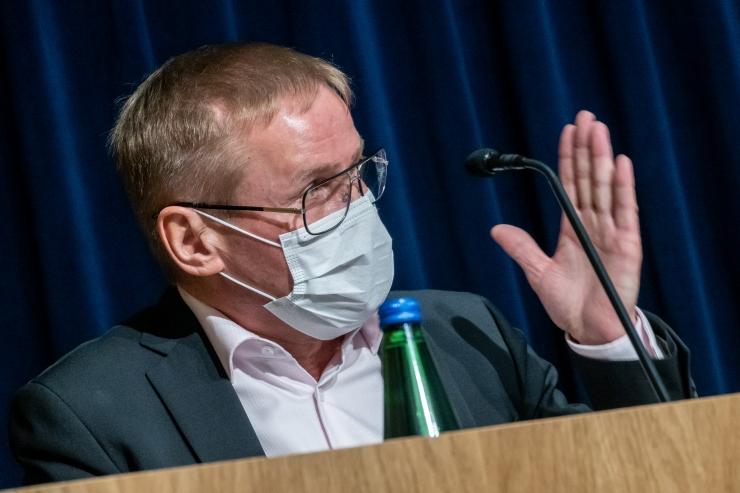 Aab: Eestil jagub isikukaitsevahendeid mai lõpuni