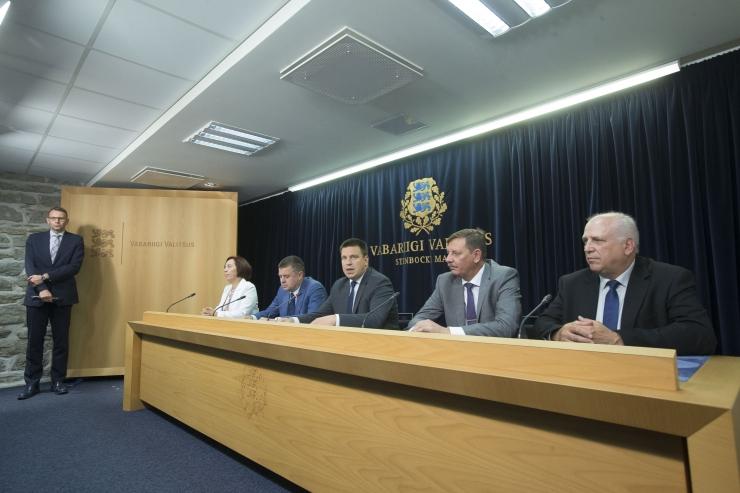 VAATA OTSE SIIT KELL 12: Valitsus plaanib elektritõukeratastele luua liiklusreeglid