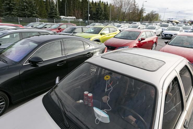 Autoga eesmärgitult hängimine mõjub kahtlaselt