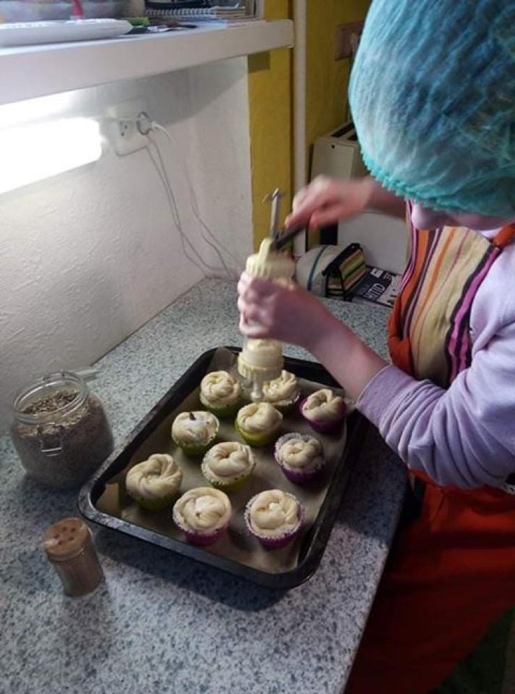 VIDEO! Tallinna saiakese õpituba pani noored küpsetama