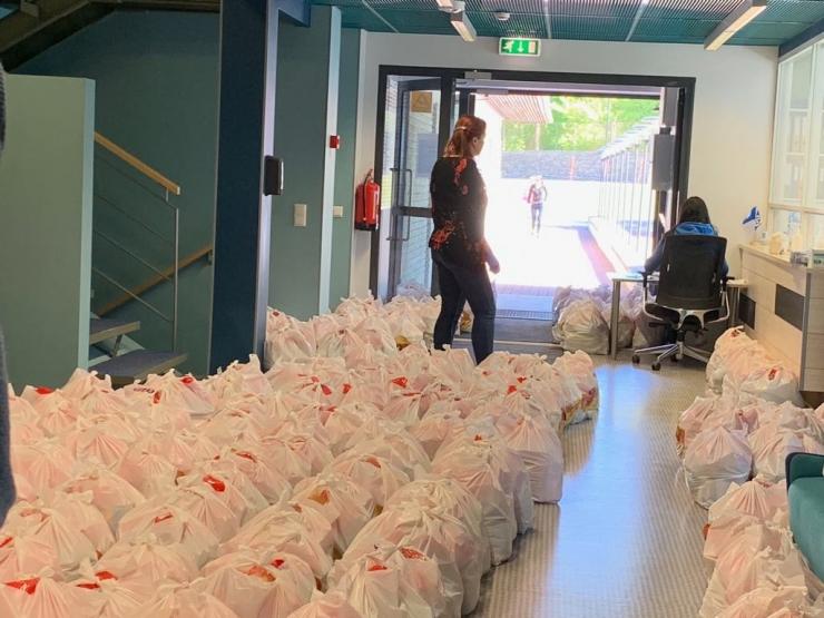 Pirital jagati ligi 5500 koolilõuna pakki
