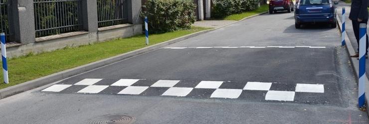 Haaberstisse rajatakse liikluse rahustamiseks 11 uut teekünnist