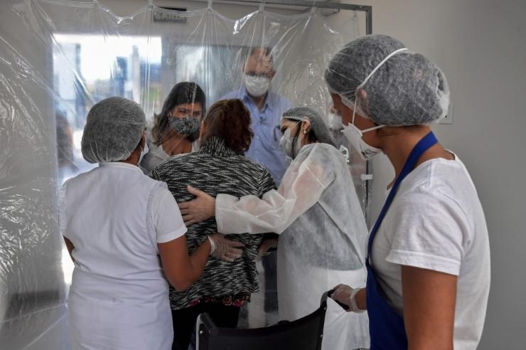 KOROONATÜSISTUS: Viirust põdenud patsientidel kaob lõhnataju
