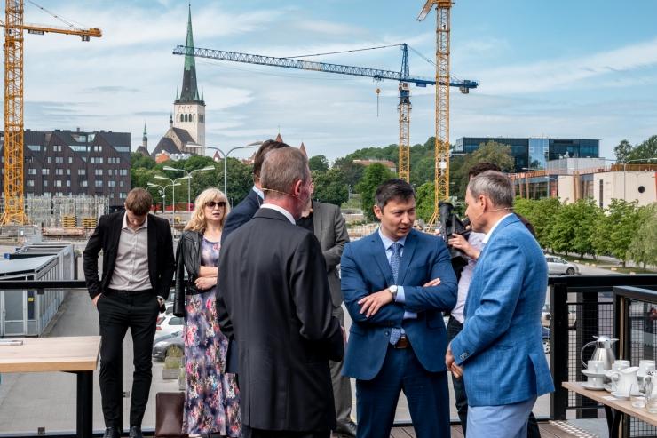 FOTOD JA VIDEO! MUGAVAM JA KIIREM ÜHISTRANSPORT: Vanasadama trammitee ühendab Tallinna sadama, Rail Balticu terminali ja lennujaama