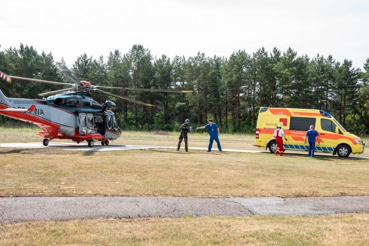 VAATA PILTE JA VIDEOT! Esimesest juulist sõidab raskematele liiklusõnnetustele appi Regionaalhaiglast helikopter