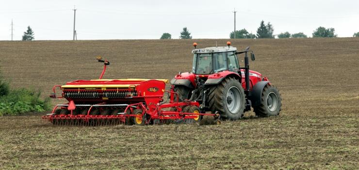 Taluliidu asendusteenistuse juht Magnus: võõrtööjõu probleem paisutati üle, musta põllutööd teeb robot