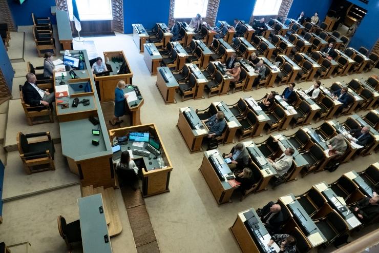 Riigikogu arutab esmaspäeval erakorraliselt tööjõukriisi leevendamist