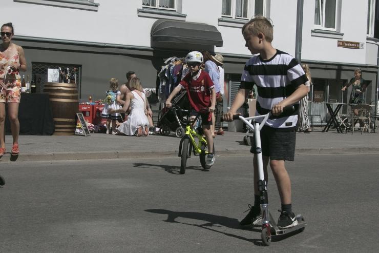 VIDEO! Mustamäe korraldab noortele tasuta jalgrattakoolituse