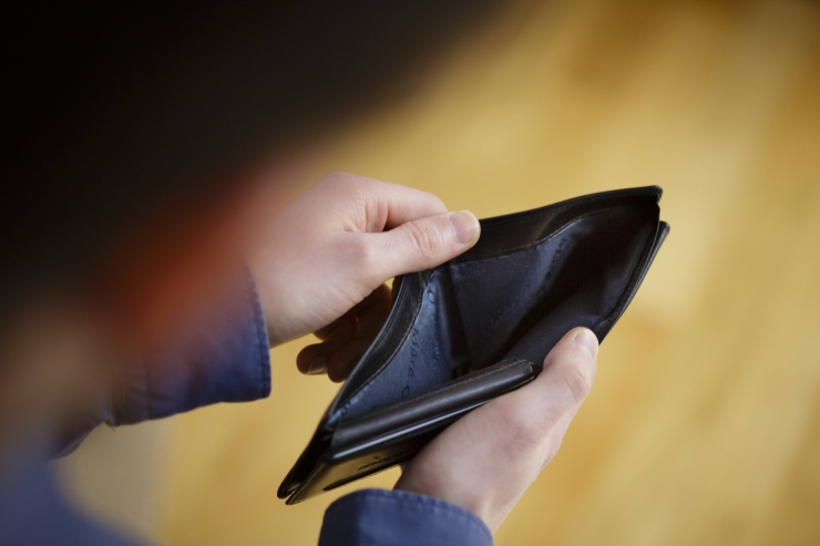 Swedbanki töötajatena esinenud kelmid petsid inimestelt raha välja