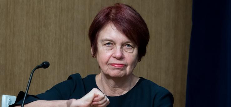 Professor Irja Lutsar: koroona esimene laine ei ole veel läbi!