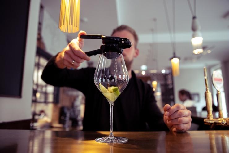 VÕITLUS KOROONAGA: Tartus piiratakse alkoholimüük meelelahutusasutustes kella 23st