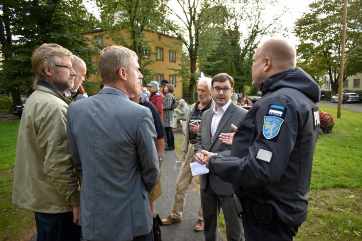Kristiine linnaosavalitsuse hoovikohtumistel räägivad elanikud kaasa kodulinna arengus