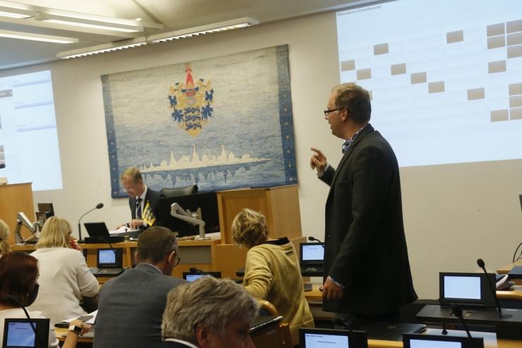 VAATA OTSE: Tallinna linnavolikogu arutab öist alkoholimüügi piirangut