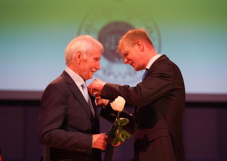 Eesti linnade ja valdade liit jagas oma 100. aastapäeval teenetemärke